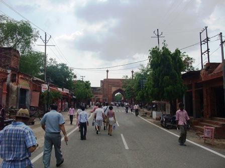 2011 インド旅行 371 タージ・マハル入口 リサイズ.jpg