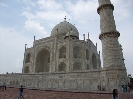 2011 インド旅行 411 リサイズ モスク側から撮影.jpg